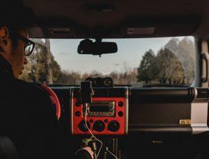 Jak podłączyć radio z androidem